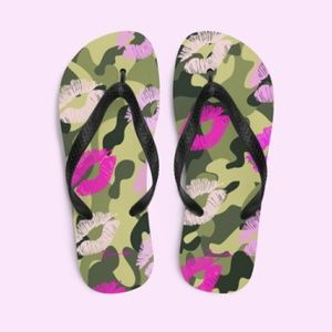 Dream Kiss Camouflage Slippers or Flip-flops